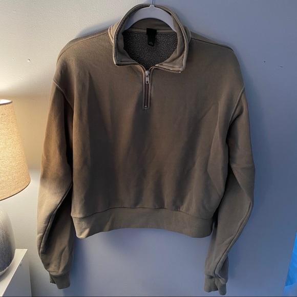 Wild Fable Cropped Sweatshirt